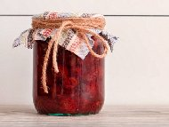 Домашен компот от ягоди в буркани (зимнина)